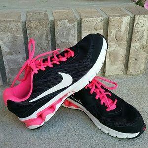 Nike Reax Run 9 women's shoes
